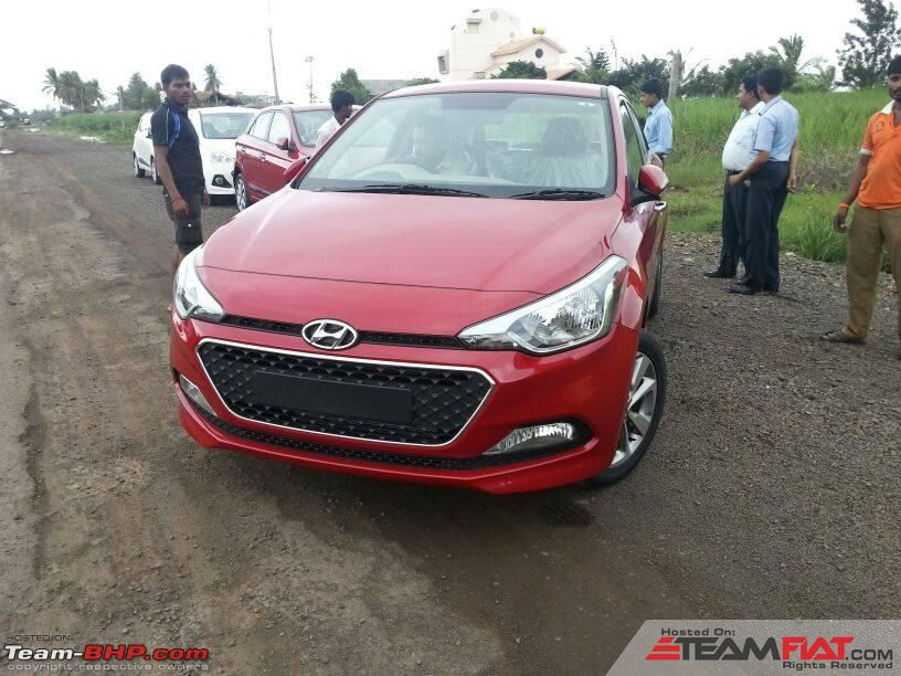 1268883d1406826656-scoop-pics-next-gen-2014-hyundai-i20-spotted-testing-india.jpg