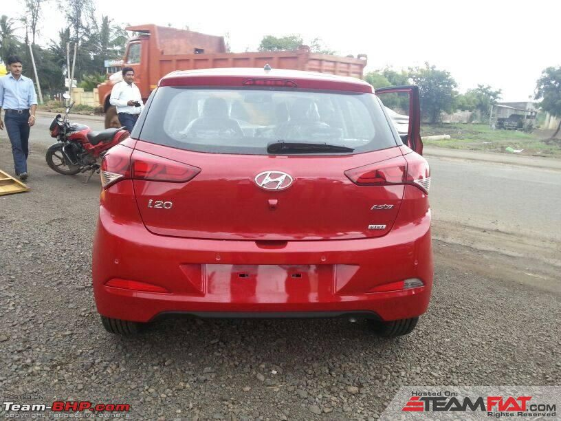 1268884d1406826656-scoop-pics-next-gen-2014-hyundai-i20-spotted-testing-india.jpg