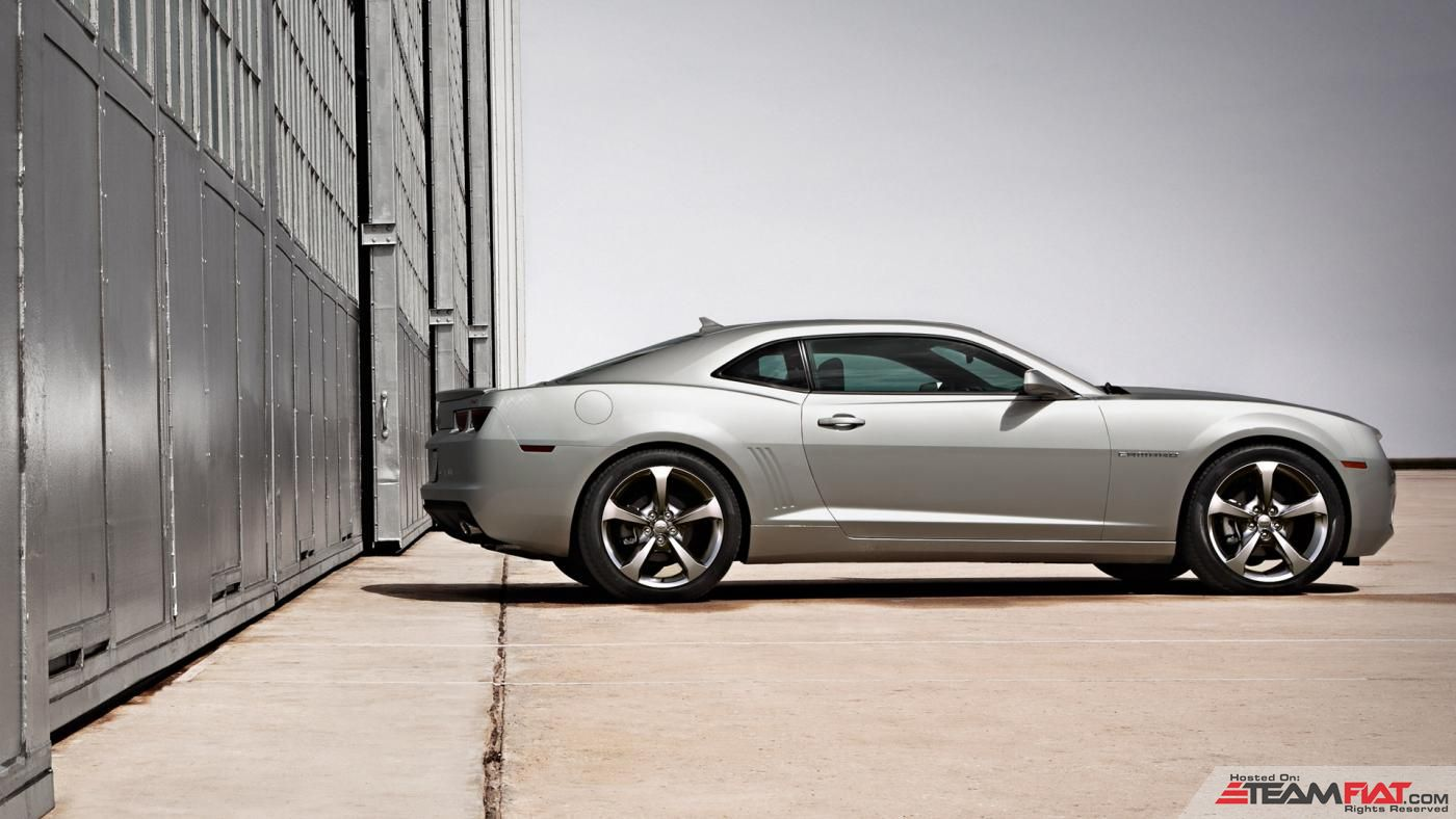 2013-camaro-coupe-photo-videos-exterior-stage-1920x1080-02.jpg