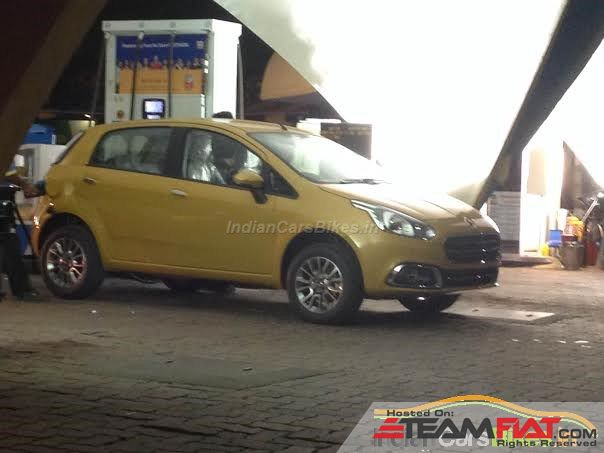 2014-Fiat-Punto-Evo-Spied-Front-night-yellow.jpg