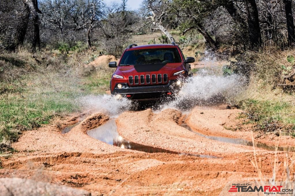 2014-Jeep-Cherokee-Limited-front-end.jpg