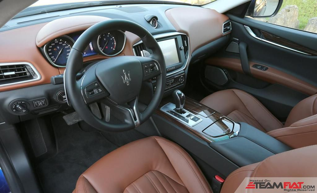 2014-maserati-ghibli-q4-interior-photo-521808-s-1280x782_zps447252bb.jpg