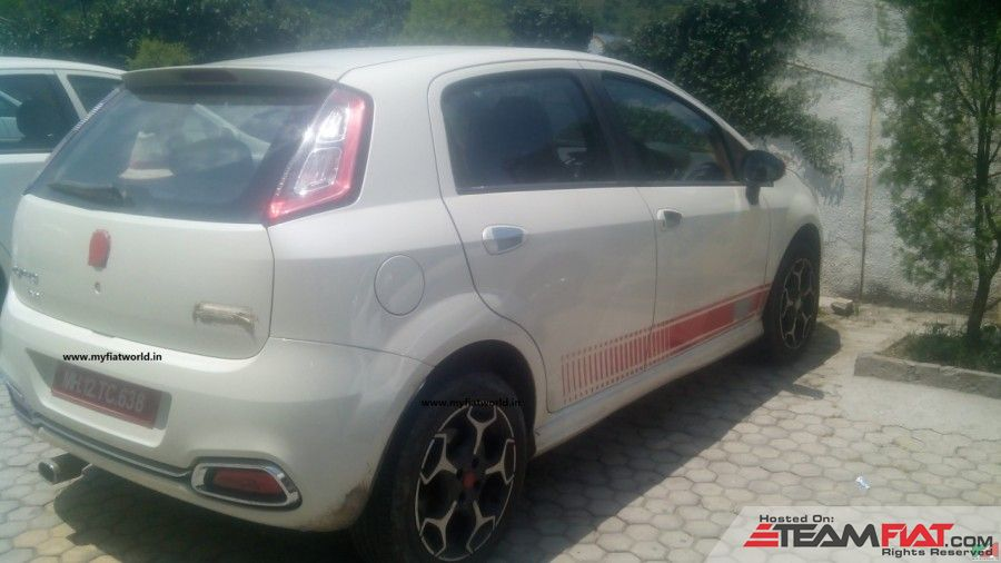 2015-Abarth-Punto-Evo-rear-three-quarter-spotted-in-the-wild-900x506.jpg