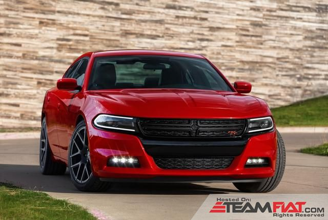 2015-dodge-charger-01.jpg