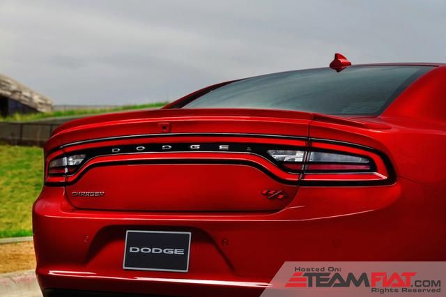 2015-dodge-charger-15.jpg