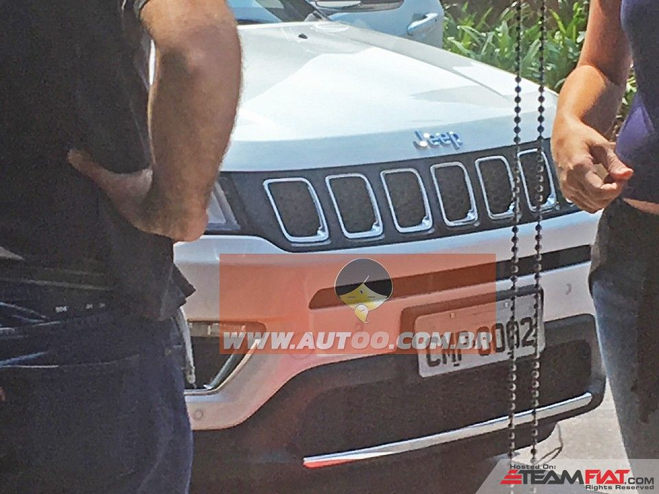 2017-Jeep-Compass-551-grille-spied-undisguised-for-the-first-time.jpg