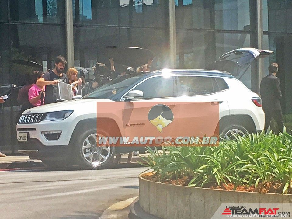2017-Jeep-Compass-551-side-spied-undisguised-for-the-first-time.jpg