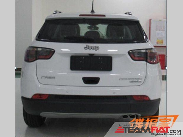 2017-Jeep-Compass-rear-revealed.jpg