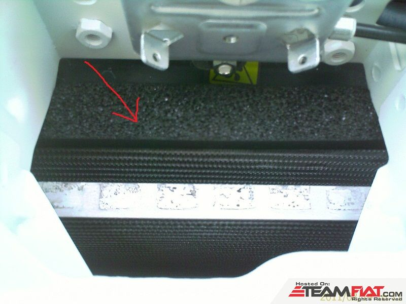 5. See the radiator has some padding  on top.jpg