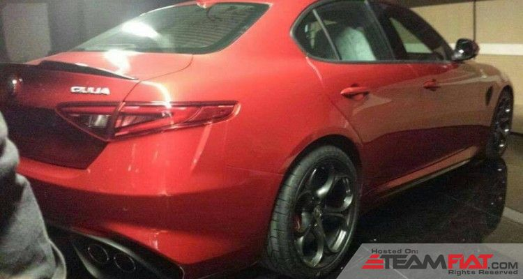 Alfa-Romeo-Giulia-rear-three-quarters-right-leaked-image-750x400.jpg