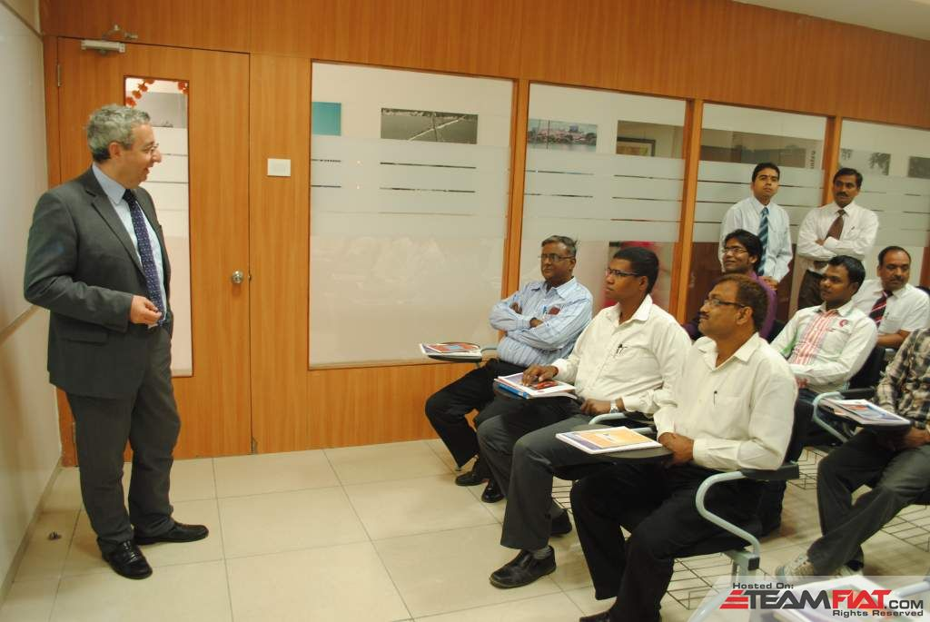 Enrico-Atanasio-MD-of-FIAT-India-at-the-new-training-center-U-Netversity-Pune-Ranjangaon-1.jpg