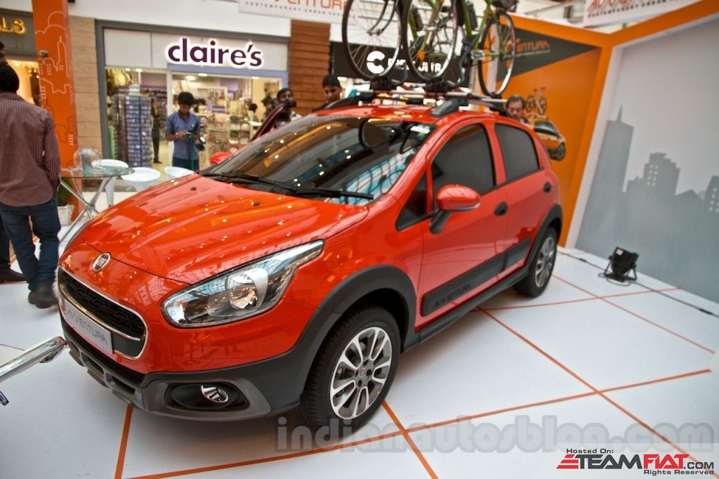 Fiat-Avventura-at-Delhi-front-quarter-1024x682.jpg