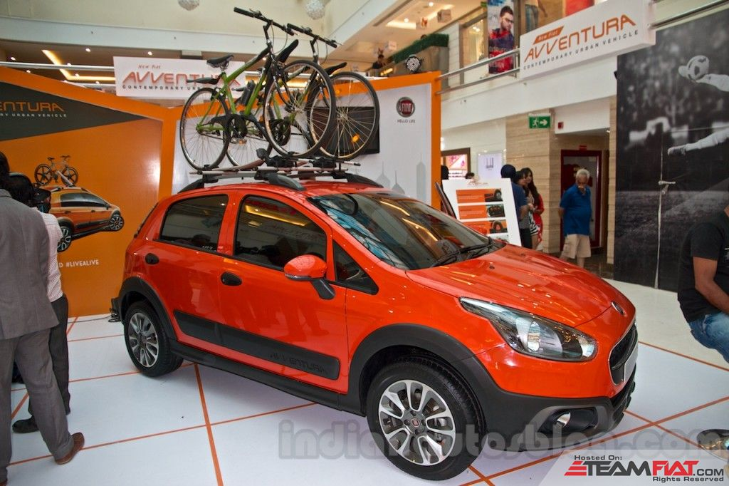 Fiat-Avventura-at-Delhi-front-three-quarter-1024x682.jpg