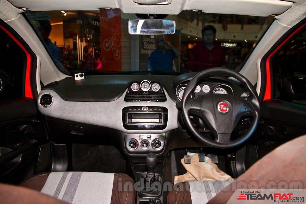 Fiat-Avventura-at-Delhi-interior-1024x682.jpg