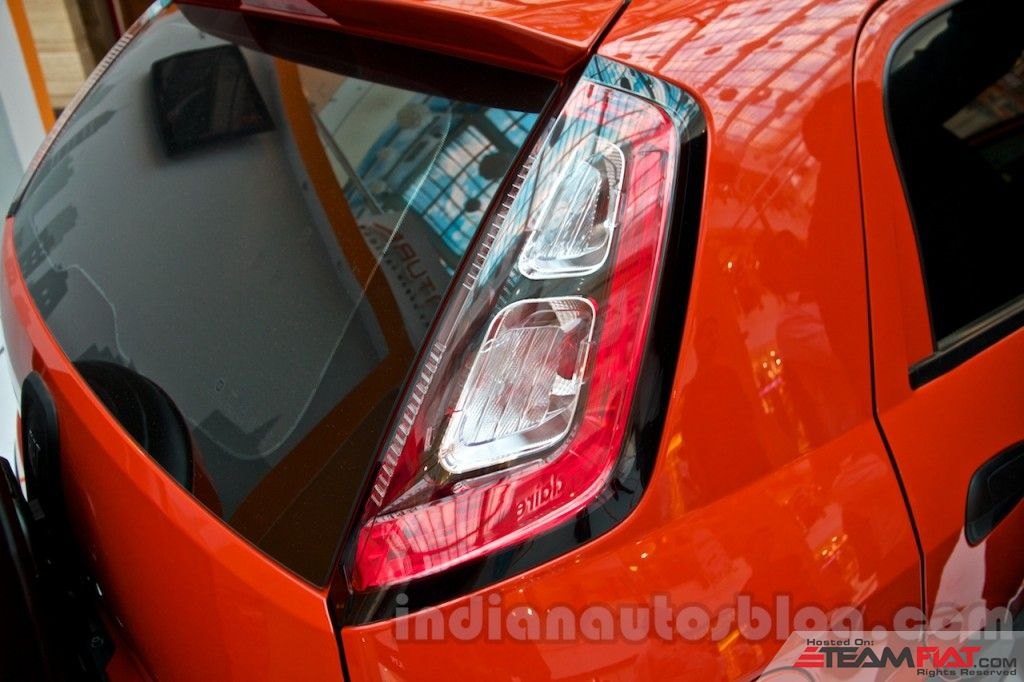 Fiat-Avventura-at-Delhi-taillight-1024x682.jpg