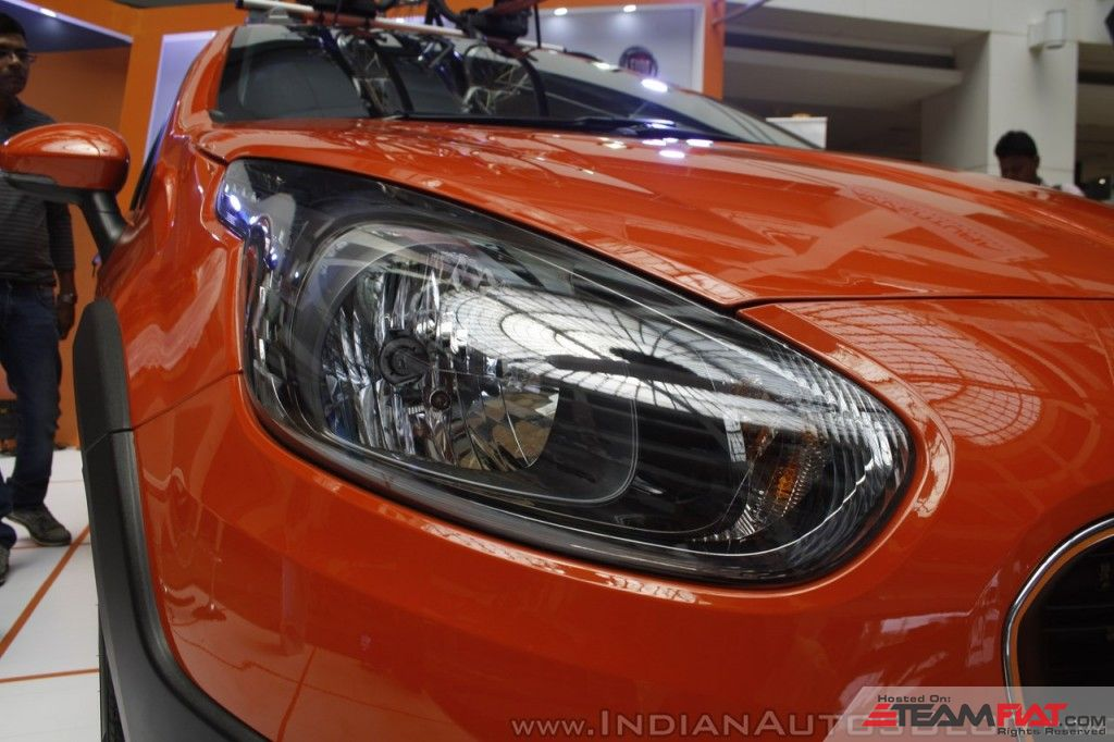 Fiat-Avventura-at-Mumbai-headlight-1024x682.jpg