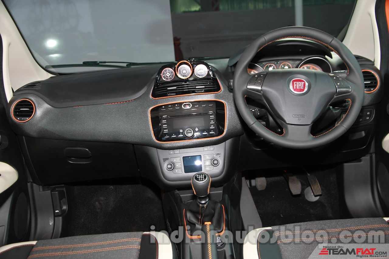 Fiat-Avventura-dashboard-zoom-in.jpg