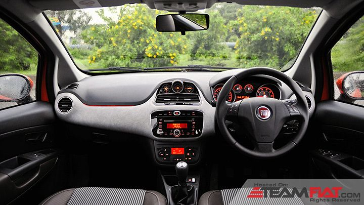 Fiat-Avventura-production-spec-interior.jpg