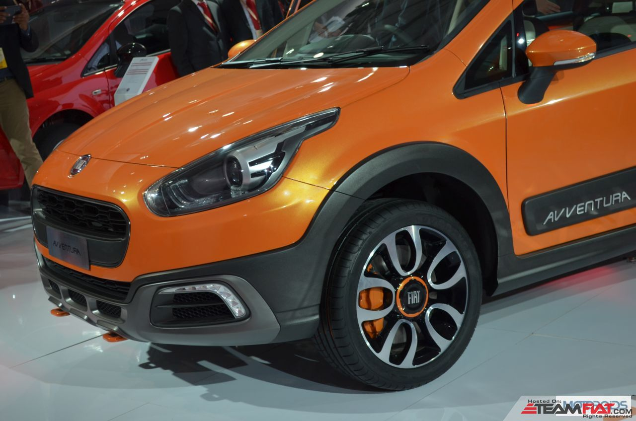 Fiat-Avventure-images-auto-expo-3.jpg.pagespeed.ce.rGowIA88vA.jpg