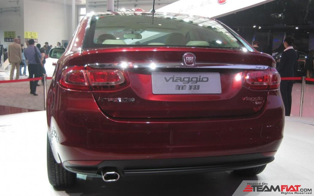 Fiat-Viaggio-red-rear-1024x640.jpg