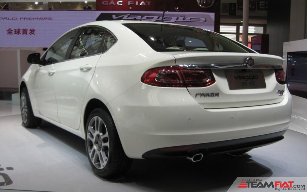 Fiat-Viaggio-white-rear-three-quarter-1024x640.jpg