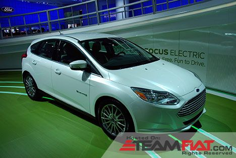 ford-focus-electric-2012-photo-02.jpg