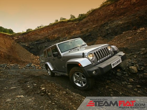 jeep-wrangler-unlimited-static-front-shot-image-pic-photo-31102013-m13_560x420.jpg