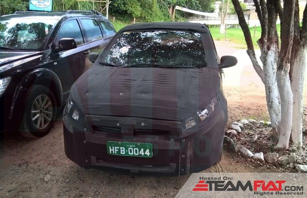 Next-generation-Fiat-Punto-spied-in-Brazil.jpg