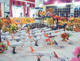 Planes_In_Gurdwara.jpg