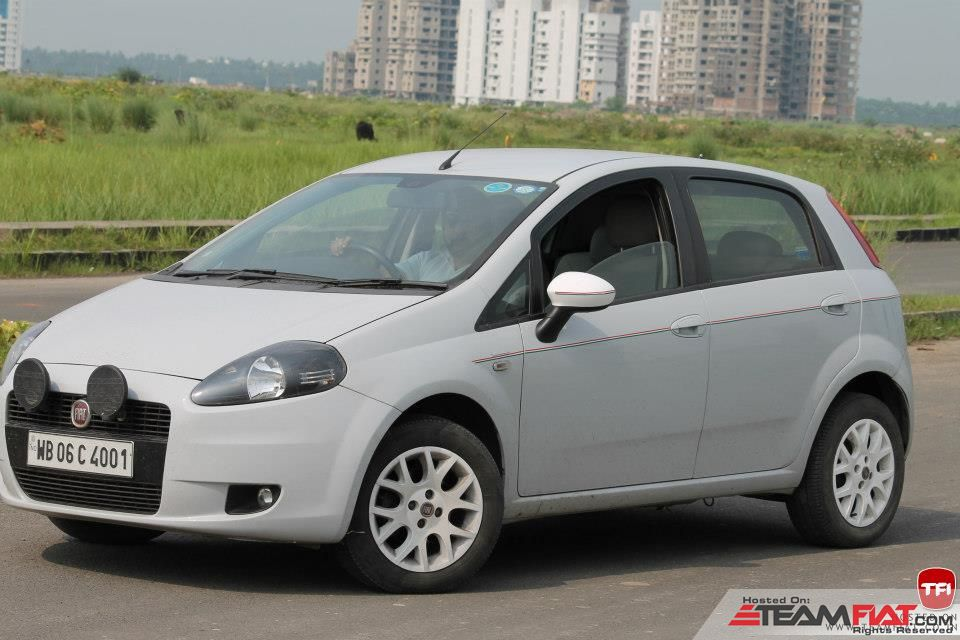 punto white alloys.jpg