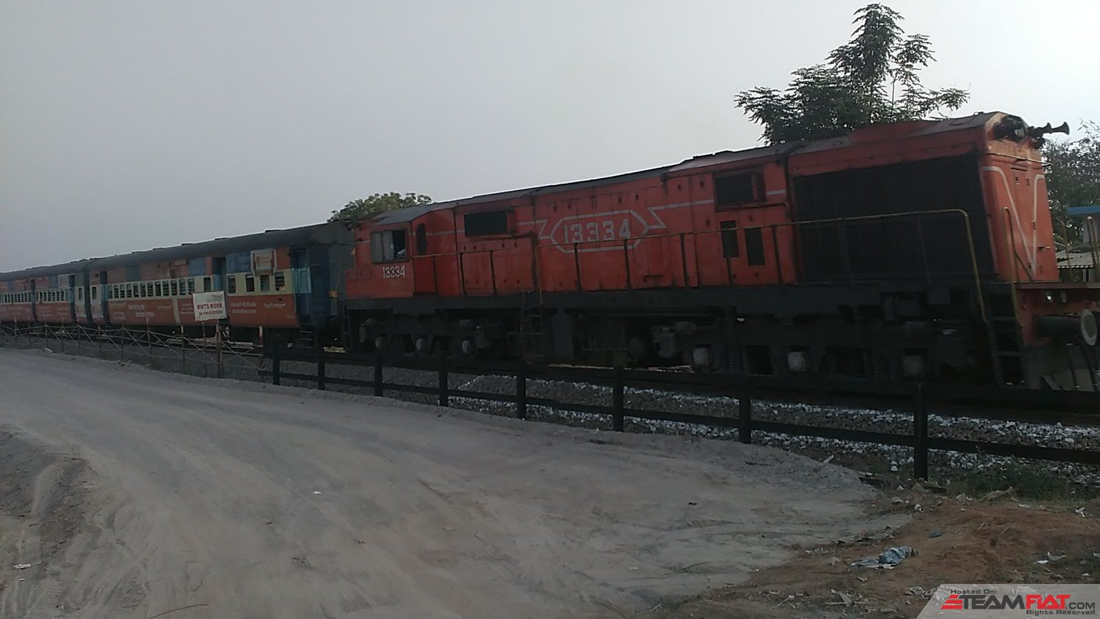 Railway corssing just before hitting NH7.jpg
