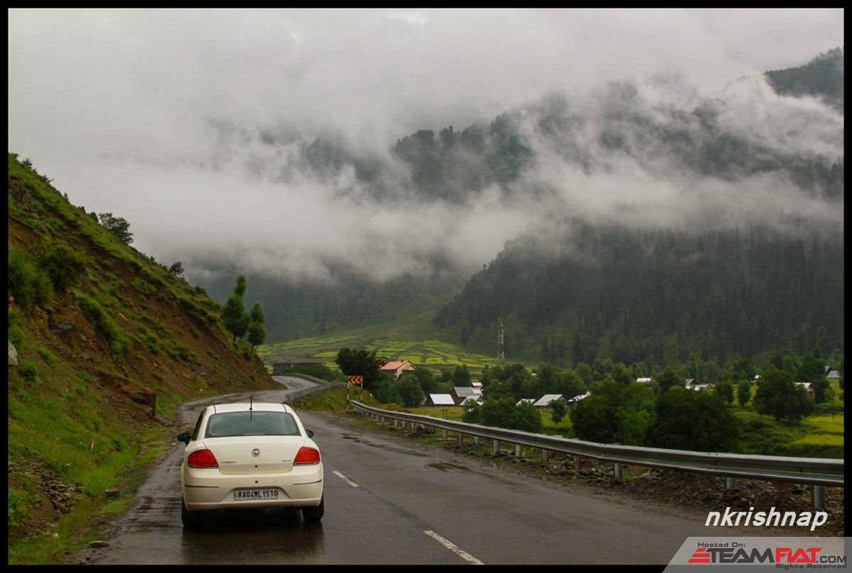 Sonmarg - Car2 (Copy).jpg